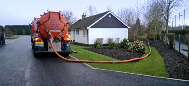 Откачка канализации: методы и особенности