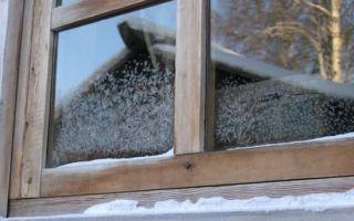 Как самостоятельно утеплить деревянное окно на зиму?