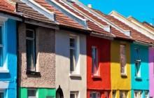 Критерии выбора фасадных красок по дереву для наружных работ