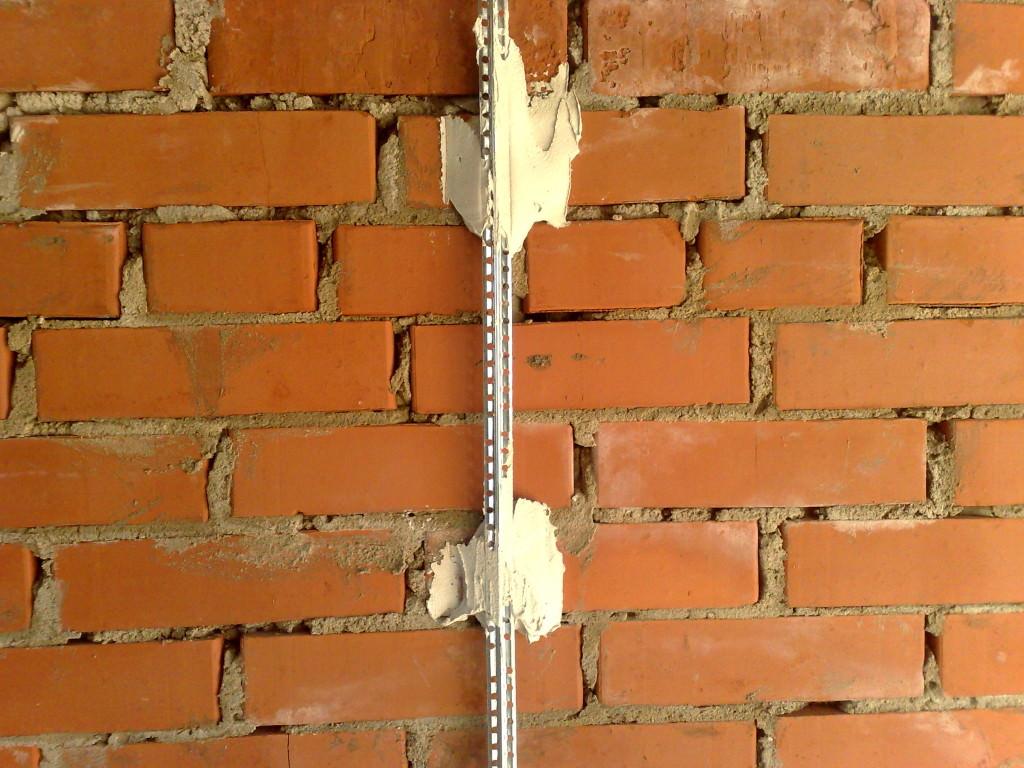 Маячки на стене для её выравнивания