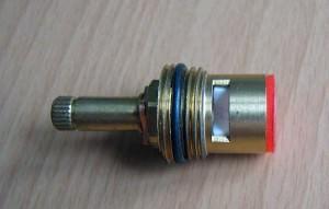 Керамическая кран-букса