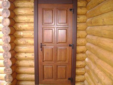 Утепленная фасадная деревянная дверь