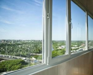 Балкон с пластиковыми окнами