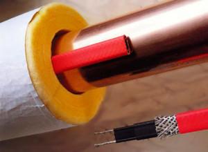 Саморегулирующийся греющий кабель на трубе