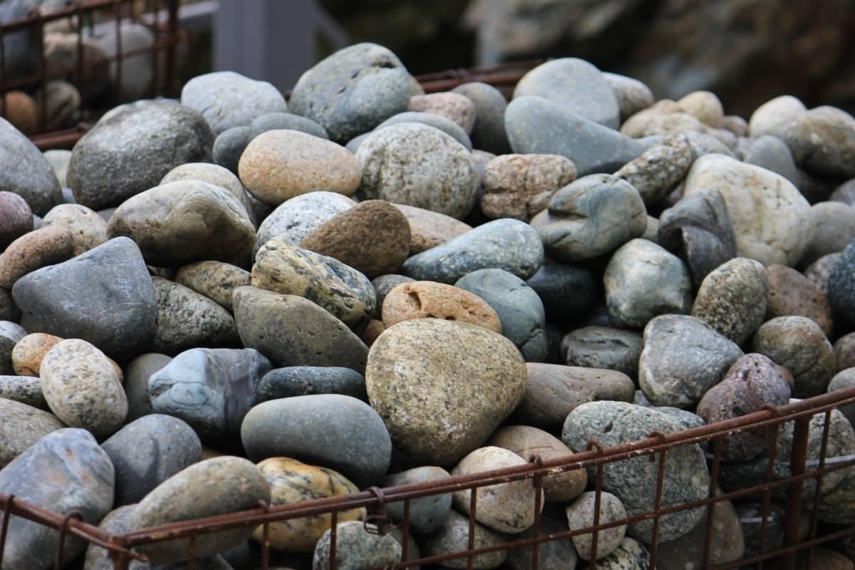 Как выбрать камни для бани самому: разновидности и характеристики