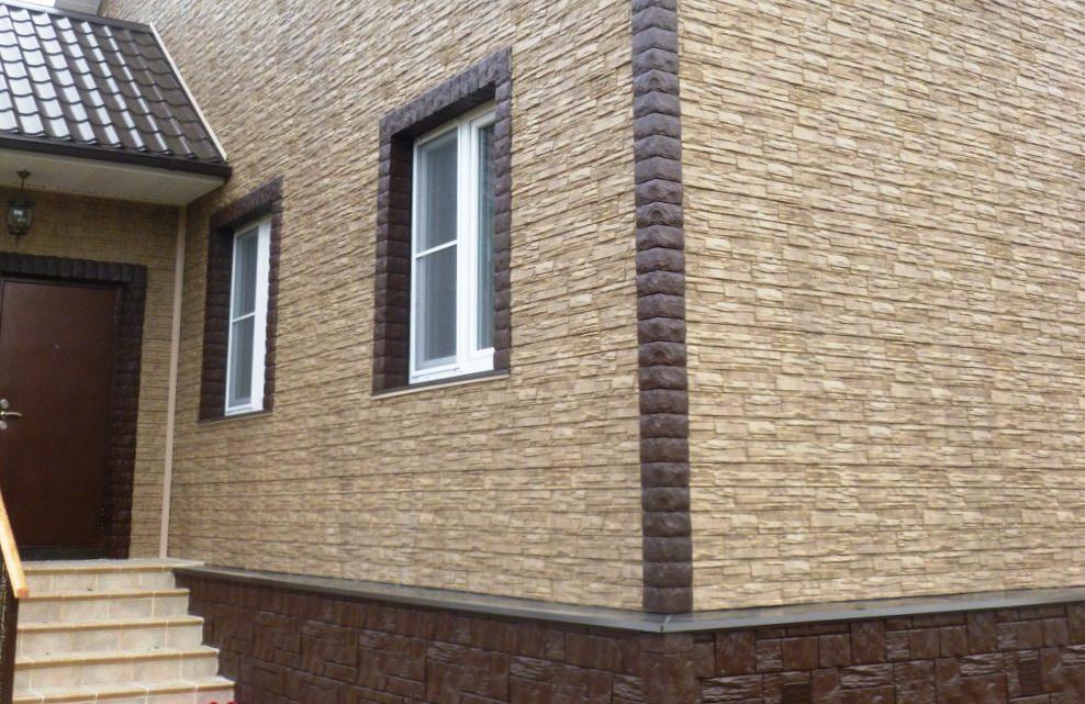 Дом, обделанный фасадом