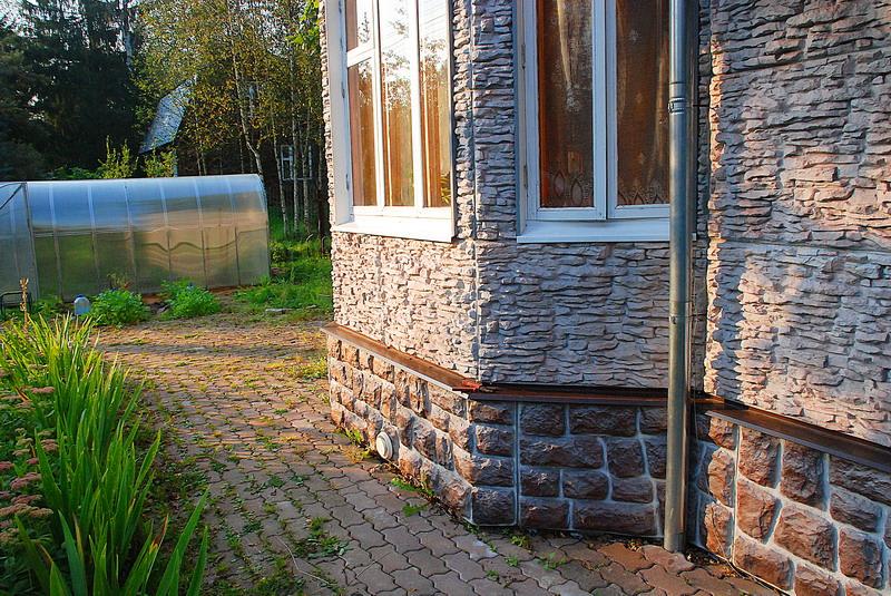 Дом, отделанный фасадом