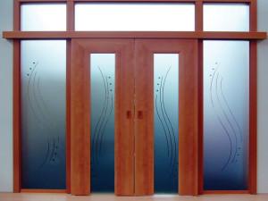 Двери с матовыми стёклами
