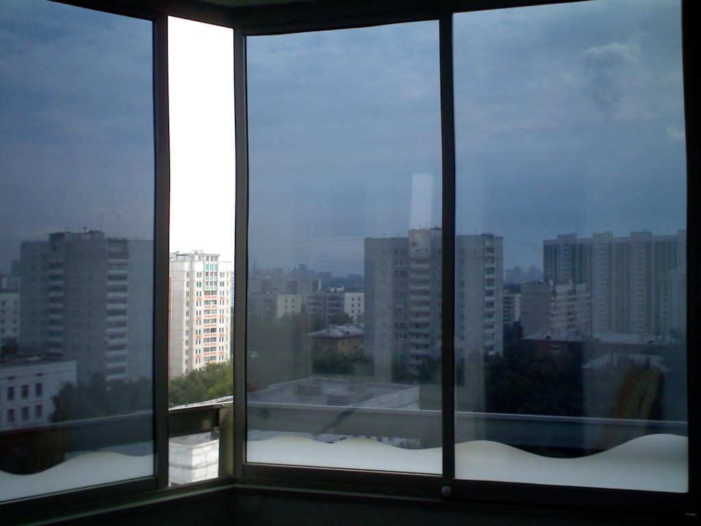 Окно с тонировочной плёнкой