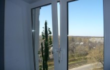 Открытое пластиковое окно