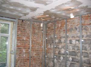 Подготовленные очищенные стены для гипсокартона