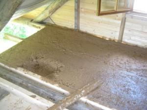 Глина на потолке бани