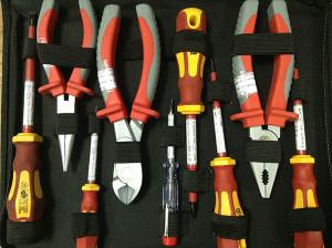 Инструменты для замены розетки