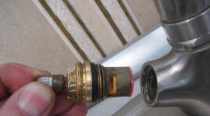 Замена керамической кран-буксы