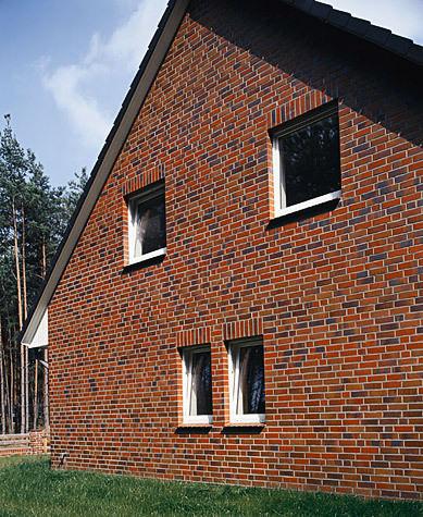 Фасад из полнотелого кирпича