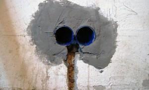 Подрозетник в бетонной стене